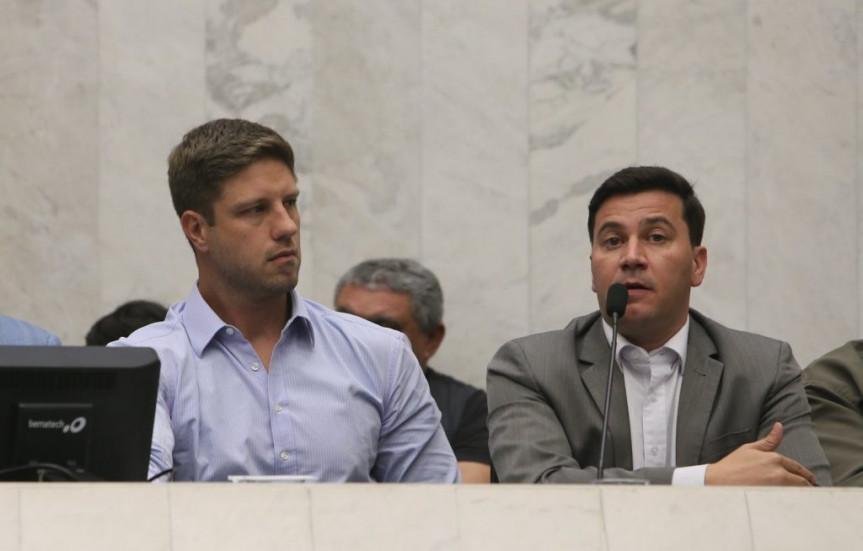 Deputados Requião Filho (MDB) e Arilson Chiorato (PT).