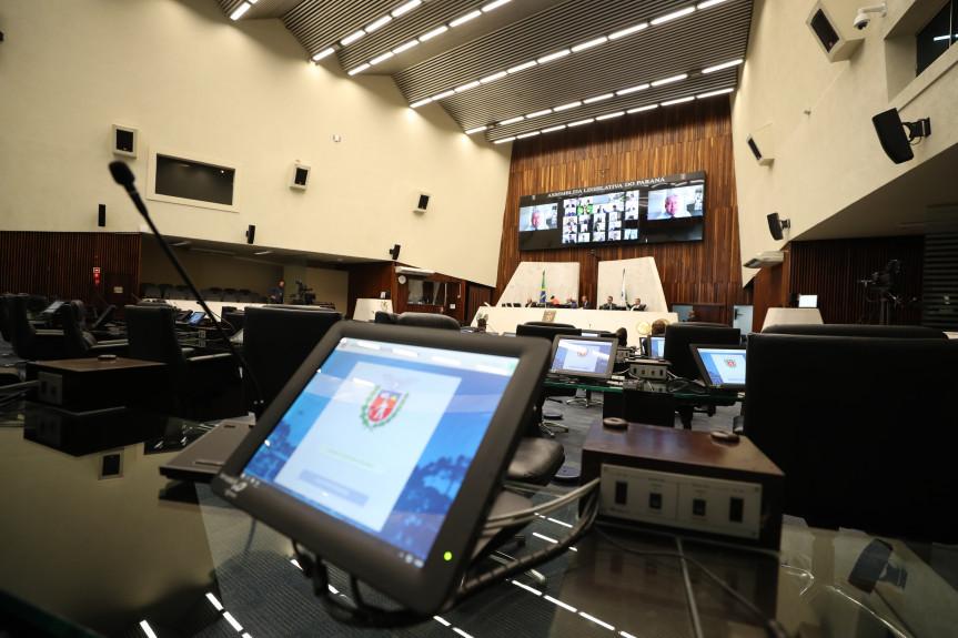 Com decreto de calamidade pública, aprovado pelos parlamentares, governo fica isento de cumprir meta fiscal com efeito até 31 de dezembro de 2020.