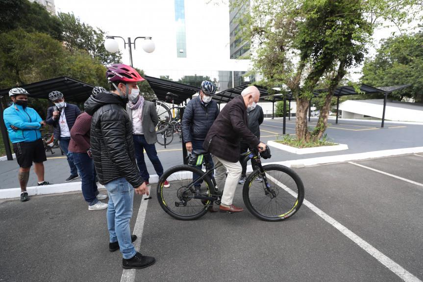 Bicicletário está entre uma das ações do Legislativo para incentivar a utilização do meio de transporte.