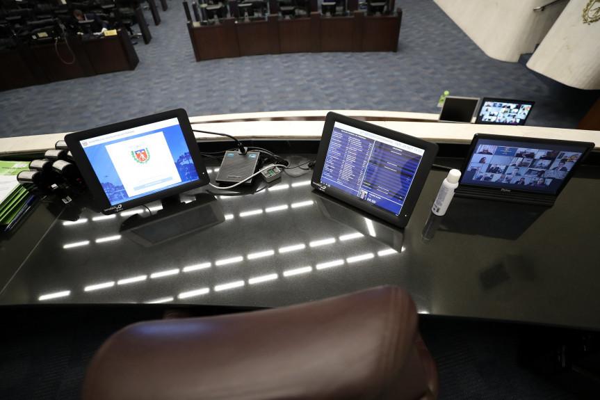Proposta que dá mais transparência à fila de espera do SUS está na pauta da Assembleia Legislativa do Paraná.
