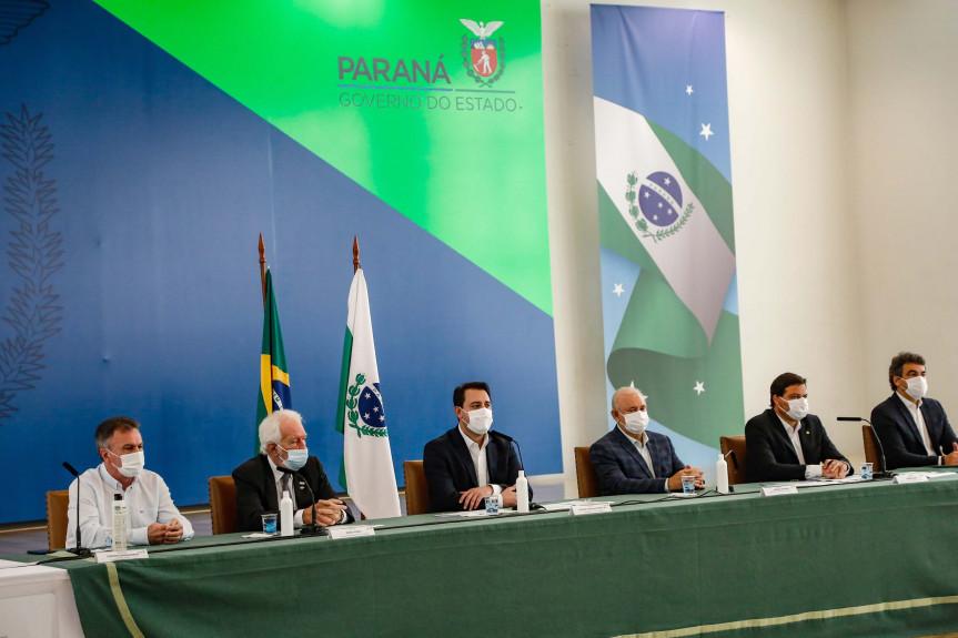 Presidente da Assembleia Legislativa do Paraná, deputado Ademar Traiano (PSDB), participou na manhã desta sexta-feira (21) da coletiva que aconteceu no Palácio Iguaçu