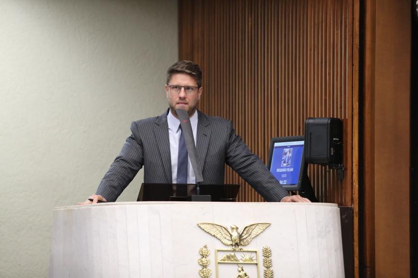 Deputado Requião Filho (MDB).