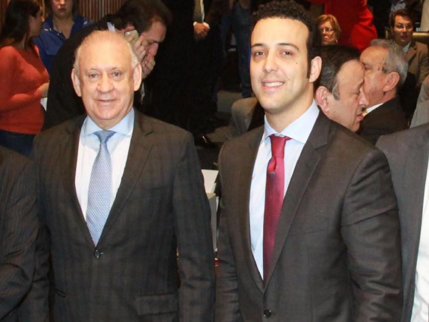 Presidente da Alep, Ademar Traiano (PSDB), e o deputado Bernardo Ribas Carli (PSDB), coordenador da Frente Parlamentar dos Produtores de Energia Elétrica.