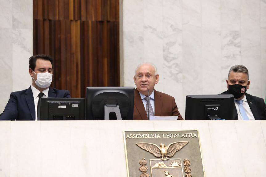 Deputado Ademar Traiano (PSDB), foi empossado presidente da Assembleia Legislativa do Paraná para o biênio 2021/2022.