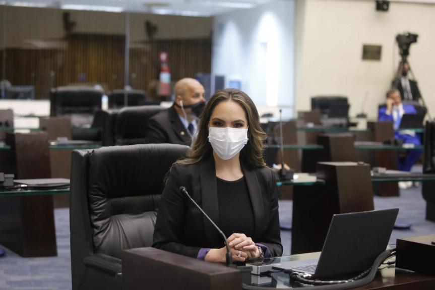 Deputada Maria Victoria (PP).