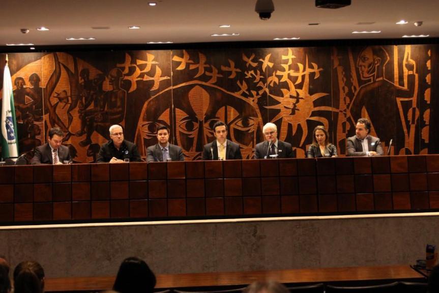 Reunião entre a Frente Parlamentar dos Produtores de Enegia Elétrica e o Fórum de Meio Ambiente do Setor Elétrico.