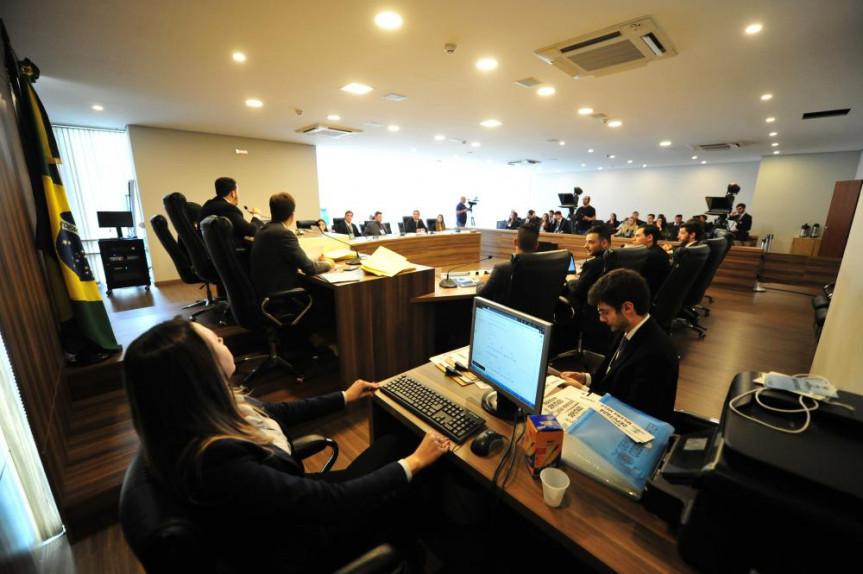 Reunião da CCJ do Parlamento Universitário.