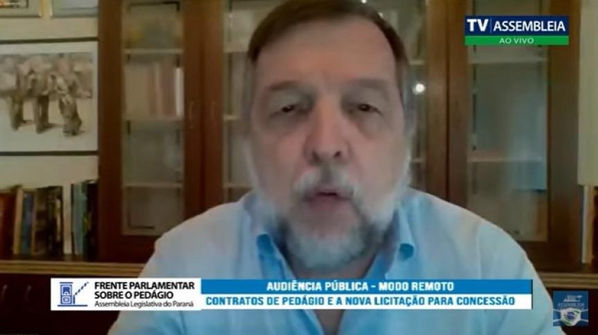 Senador Flávio Arns (PODE).