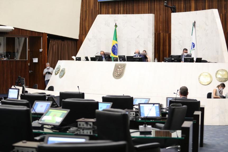 Deputados aprovam, em primeiro turno, projeto que prevê a extinção da Imprensa Oficial.