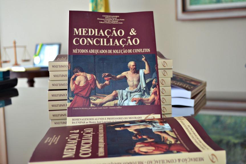 """Pré-lançamento do livro """"Mediação & Conciliação – Métodos adequados de solução de conflitos""""."""