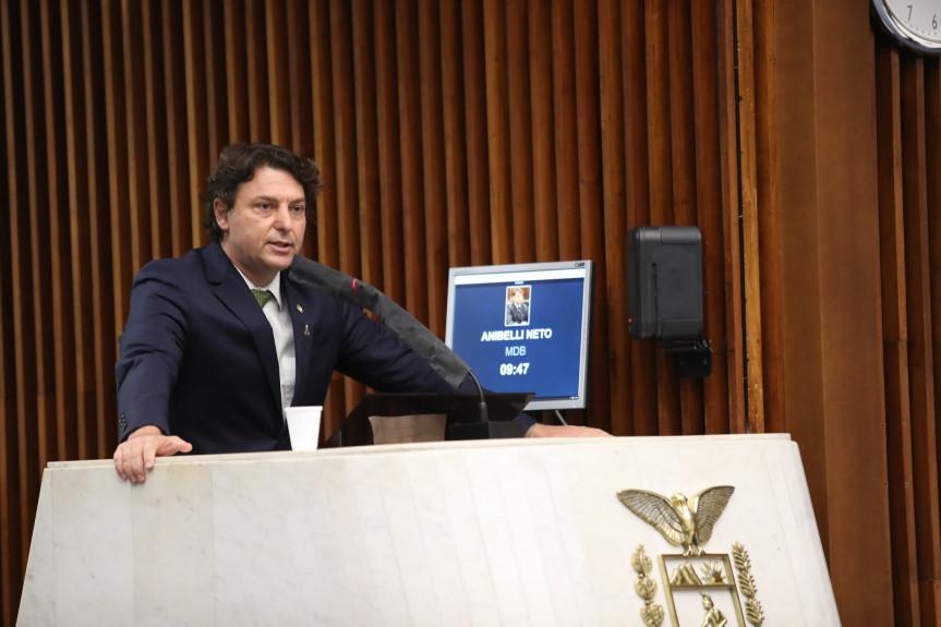 Deputado Anibelli Neto (MDB).