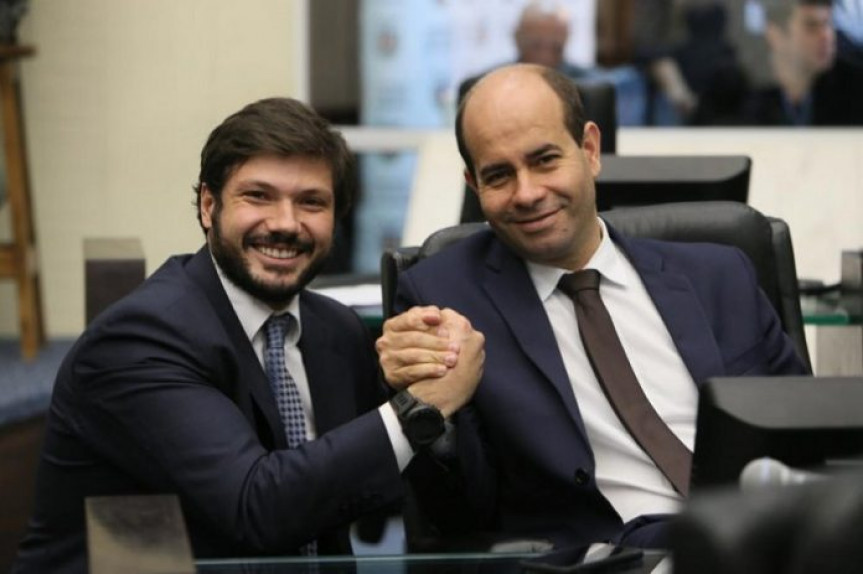 Deputado Tiago Amaral e Evandro Araújo, relator e presidente da Comissão de Orçamento da Assembleia Legislativa do Paraná.