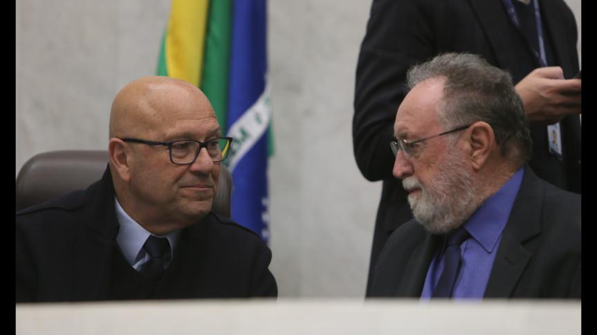 Deputados Luiz Claudio Romanelli (PSB) e Tercílio Turini (CDN) querem a mudança de local da praça de pedágio de Jataizinho, na BR-369.