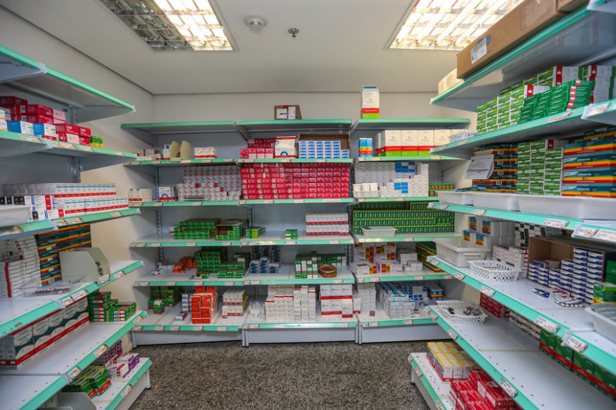 Um projeto de lei em tramitação na Assembleia Legislativa prevê o parcelamento dos débitos do ICMS-ST dos produtos farmacêuticos. Audiência pública vai debater o assunto.