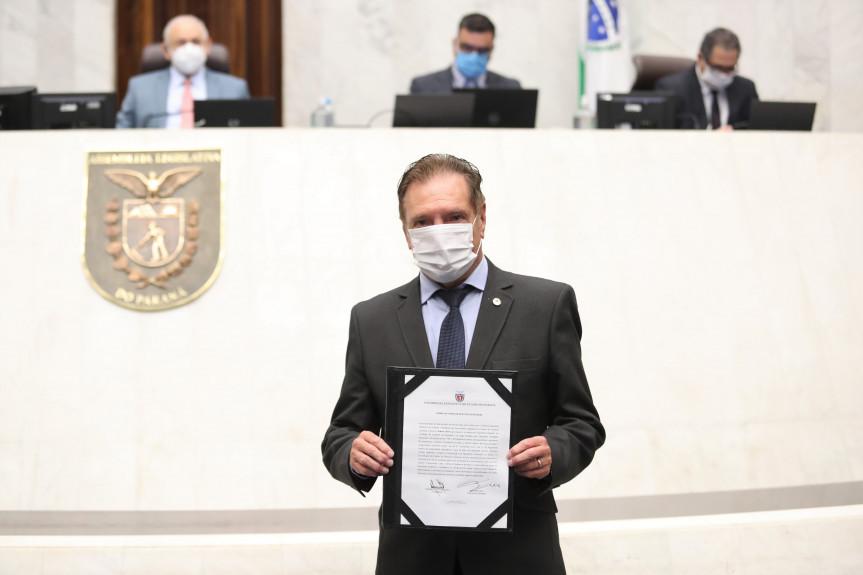 Deputado Ademir Bier assume sexto mandato na Assembleia Legislativa do Paraná.