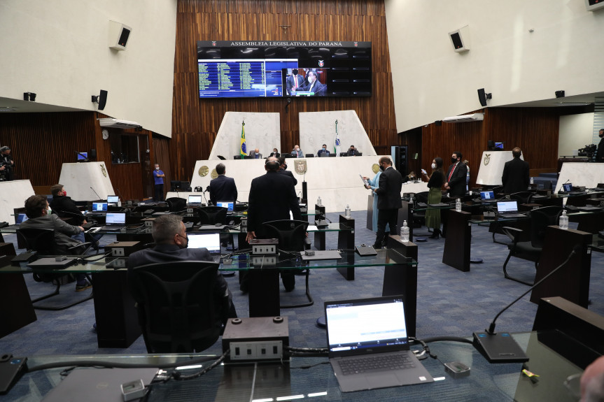 PEC que trata da concessão de serviços públicos é aprovada em primeiro turno de votação